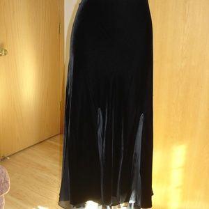 NWOT  Ralph Lauren long skirt.
